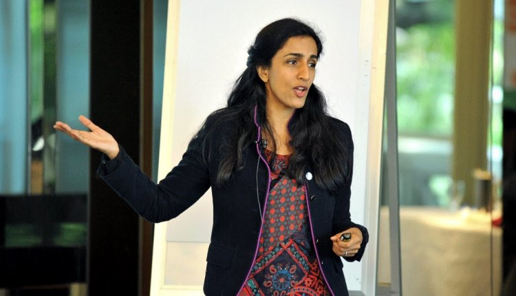 Embedded thumbnail for Dr Ayesha Khanna on Industries Rapidly Transforming with AI